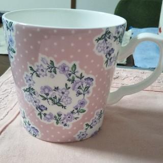 アフタヌーンティー(AfternoonTea)のアフタヌーンティー 花柄マグカップ 美品(グラス/カップ)