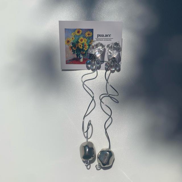 0913D ハンドメイドのアクセサリー(ピアス)の商品写真
