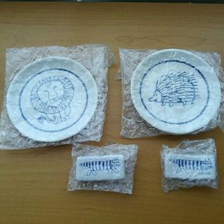 リサラーソン(Lisa Larson)の『リサラーソン』豆皿と箸置き ライオン ハリネズミ マイキー(食器)