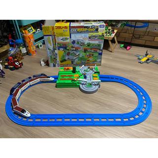 トミー(TOMMY)のプラレール トミカ DX踏切ステーション(電車のおもちゃ/車)