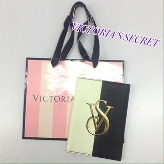 ヴィクトリアズシークレット(Victoria's Secret)のヴィクトリア シークレット パスポート ケース(パスケース/IDカードホルダー)