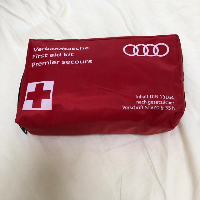 AUDI(アウディ)のAudi First aid kit 自動車/バイクの自動車(その他)の商品写真