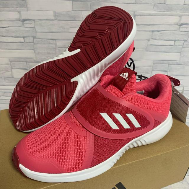 adidas(アディダス)の★ 新品 ADIDAS アディダス スニーカー 18.0cm キッズ/ベビー/マタニティのキッズ靴/シューズ(15cm~)(スニーカー)の商品写真