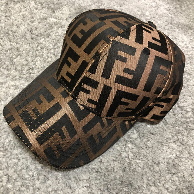 FENDI(フェンディ)のFENDI キャップ メンズの帽子(キャップ)の商品写真