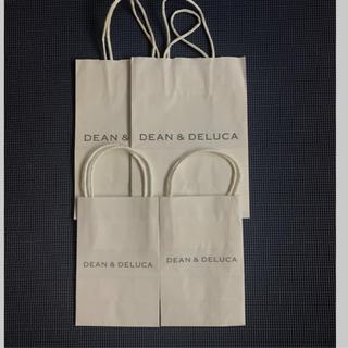 ディーンアンドデルーカ(DEAN & DELUCA)のDEAN &  DELUCA ショップ袋  紙袋 中2枚サイズ。小サイズ2枚(ショップ袋)