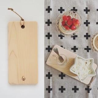 ムジルシリョウヒン(MUJI (無印良品))の新品未使用★木製 カッティングボード★おやつボード トレイ トレー ひのき 北欧(テーブル用品)