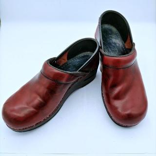 ダンスコ(dansko)のdansko ダンスコ スリッポン パテント サイズ38 プロフェッショナル(ローファー/革靴)