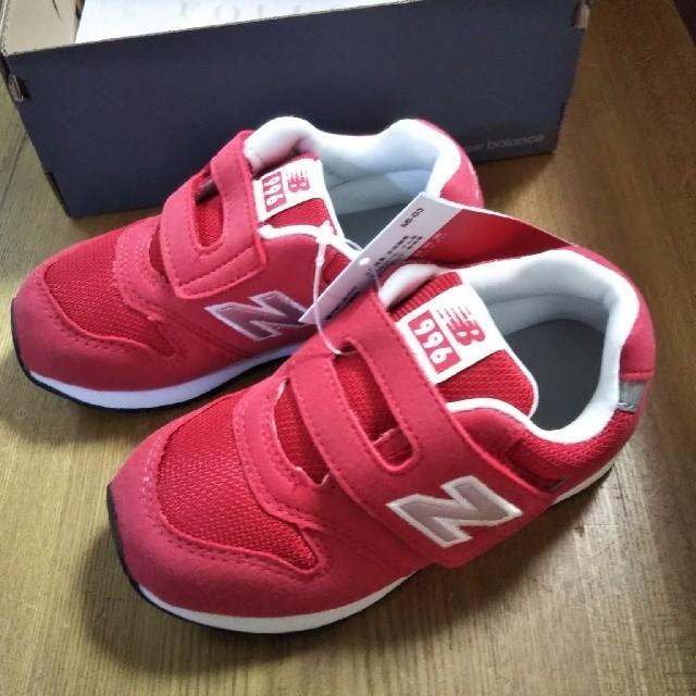 New Balance(ニューバランス)のニューバランス 996 新品 16cm 赤 キッズ/ベビー/マタニティのキッズ靴/シューズ(15cm~)(スニーカー)の商品写真