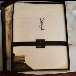 イヴサンローランボーテ(Yves Saint Laurent Beaute)のイヴサンローラン シーツ ボアシーツ サンローラン(シーツ/カバー)