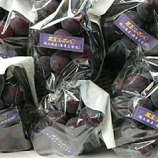 ブドウ 朝どり紫玉2k(フルーツ)