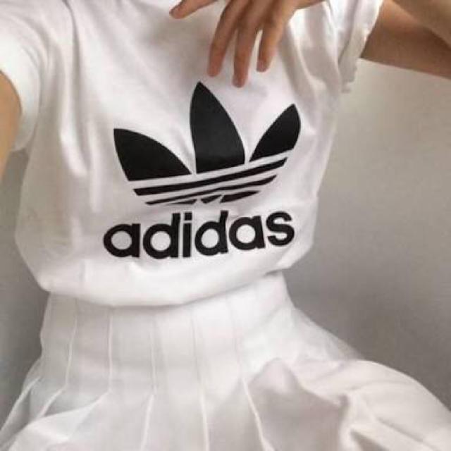 テニススカート 白 美品 レディースのスカート(ミニスカート)の商品写真
