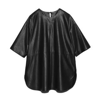 ミラオーウェン(Mila Owen)の【新品未使用】Mila Owen シャツカーブフェイクレザーTシャツ(Tシャツ(半袖/袖なし))