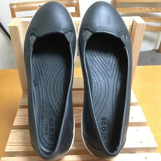 クロックス(crocs)のクロックス 黒 フラットシューズW7(バレエシューズ)