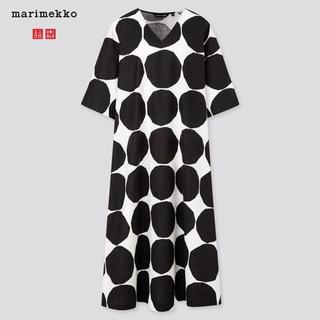 マリメッコ(marimekko)のマリメッココラボ Vネックマキシ丈ワンピース (M)(ロングワンピース/マキシワンピース)