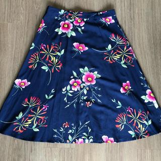 ギャップ(GAP)の花柄フレアスカート(ひざ丈スカート)