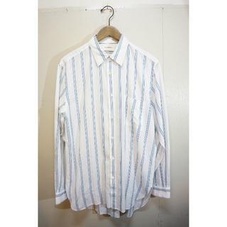 マーカウェア(MARKAWEAR)の■MARKAWAREレギュラー カラー ストライプ シャツ 白1005J▲(シャツ)