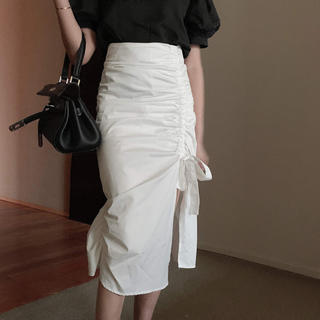 リリーブラウン(Lily Brown)のスリットリボン膝丈スカート(ひざ丈スカート)