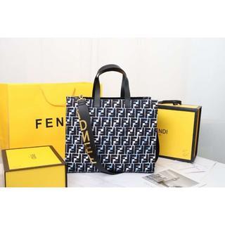 フェンディ(FENDI)のFENDI フェンディ 大人気 トートバッグ  ショルダーバッグ(トートバッグ)
