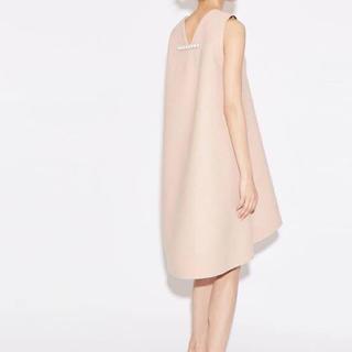 バーニーズニューヨーク(BARNEYS NEW YORK)のYokochan ヨーコチャン バックパール ドレス(ひざ丈ワンピース)