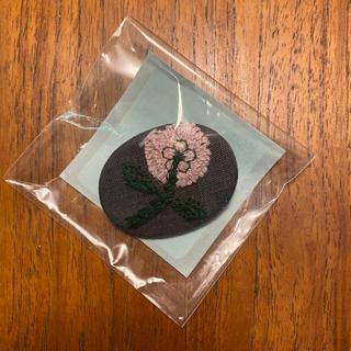 ミナペルホネン(mina perhonen)のミナペルホネン   ブローチ つづく展 新品未使用(ブローチ/コサージュ)