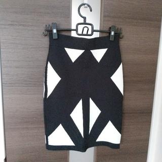ビーシービージーマックスアズリア(BCBGMAXAZRIA)のさっちゃん様♡バンテージスカート(ひざ丈スカート)
