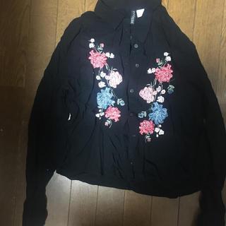 エイチアンドエイチ(H&H)のH&M 刺繍 シャツ(シャツ/ブラウス(長袖/七分))