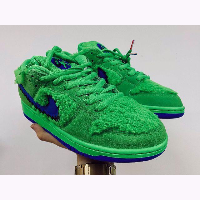 ナイキSBダンクLOW プロ グレイトフルデッド メンズの靴/シューズ(スニーカー)の商品写真