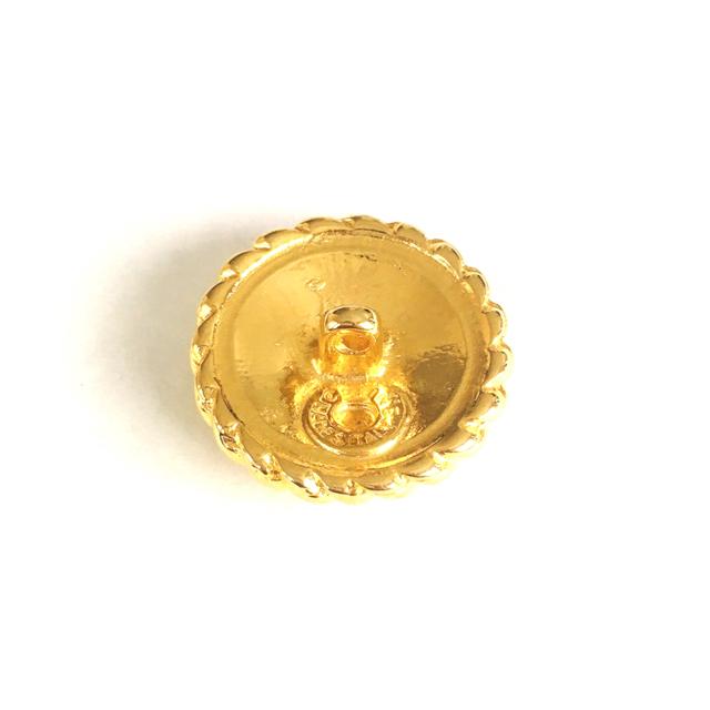 celine(セリーヌ)のセリーヌ ボタン 1個 ハンドメイドの素材/材料(各種パーツ)の商品写真
