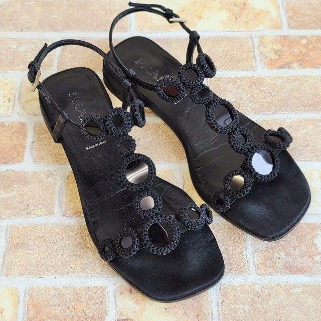 PRADA(プラダ)のプラダ PRADA☆T字デザイン フラット サンダル アンクルベルト 35 伊製 レディースの靴/シューズ(サンダル)の商品写真