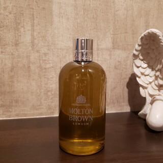 モルトンブラウン(MOLTON BROWN)のSuede Orris Bath & shower gel(ボディソープ/石鹸)