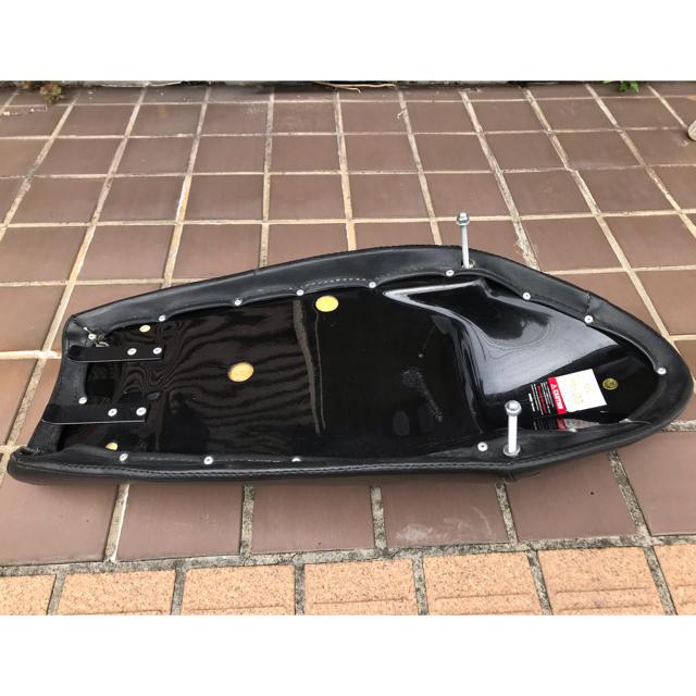 ヤマハ(ヤマハ)のNitroHeads ナイトロヘッズ タックロールカフェシート SR400 自動車/バイクのバイク(パーツ)の商品写真