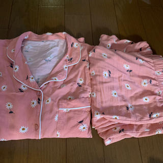 ジーユー(GU)のGU レーヨン パジャマ 花柄 長袖 長ズボン(パジャマ)