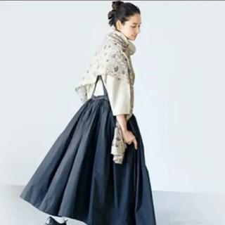 ネストローブ(nest Robe)の吉田羊さん×リンネルコラボスカート(ロングスカート)
