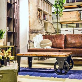 【美品・アンティークなアイアン車輪&天然木のテーブル】(ローテーブル)