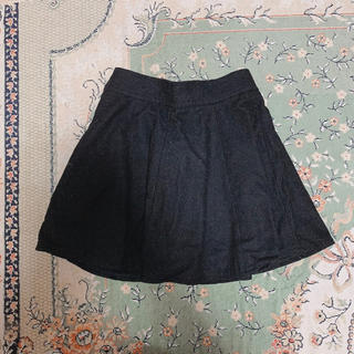 黒フレアスカート