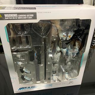 コナミ(KONAMI)の新品未開封 雷電 ホワイトアーマーver プレイアーツ改 メタルギアライジング(ゲームキャラクター)