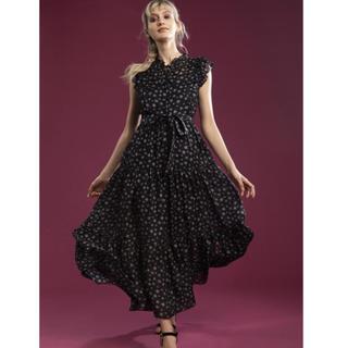 ダブルスタンダードクロージング(DOUBLE STANDARD CLOTHING)の美品 ダブスタ バックサテンプリントワンピース スター(ロングワンピース/マキシワンピース)