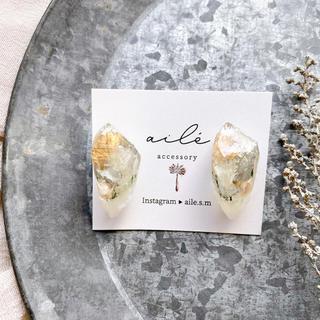 ケービーエフ(KBF)の艶めきボタニカル鉱石pierce/earring(イヤリング)