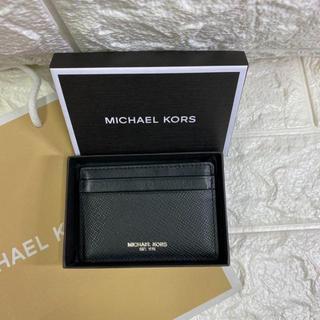 マイケルコース(Michael Kors)の【新品・未使用】マイケルコース メンズ 39F5LHRD1L カードケース(名刺入れ/定期入れ)