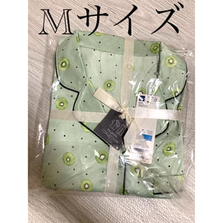 ジーユー(GU)のGU 新品サテンキウイ半袖パジャマ Mグリーン(パジャマ)