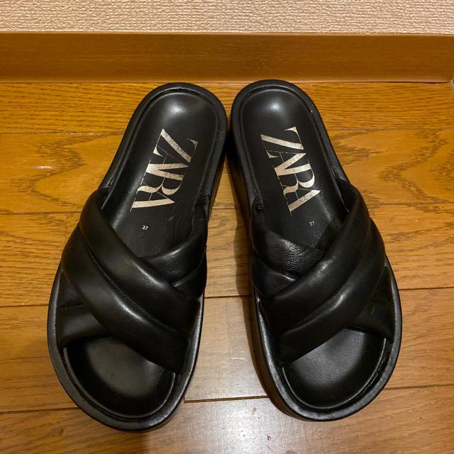 ZARA(ザラ)のZARAリアルレザークロスサンダル レディースの靴/シューズ(サンダル)の商品写真