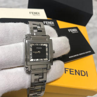フェンディ(FENDI)の美品 フェンディ FENDI クアドロ レディース 時計(腕時計)