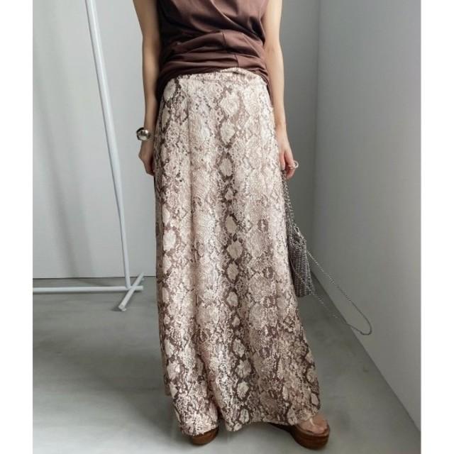 Ameri VINTAGE(アメリヴィンテージ)のAmeri VINTAGE PYTHON LACE SKIRT レディースのスカート(ロングスカート)の商品写真
