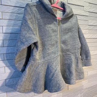 プティマイン(petit main)のpetit  main 裾フレアパーカー size80(ジャケット/コート)