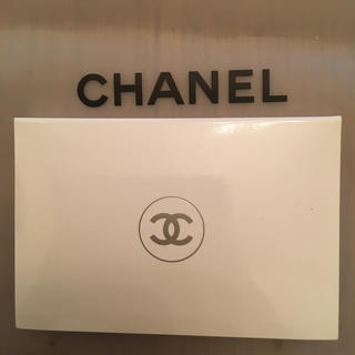 CHANEL - 新品未使用●CHANEL ル ブラン コンパクト ラディアンス