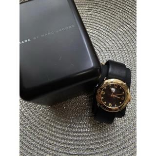 マークバイマークジェイコブス(MARC BY MARC JACOBS)のマークバイジェイコブス 黒×ゴールド レザー 腕時計(腕時計)