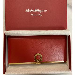 Salvatore Ferragamo - サルヴァトーレフェラガモ 長財布 赤色