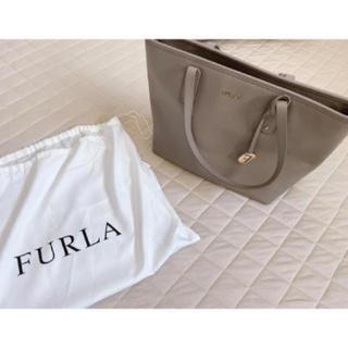 フルラ(Furla)の美品 FURLA トートバッグ グレー 通勤バッグ(トートバッグ)