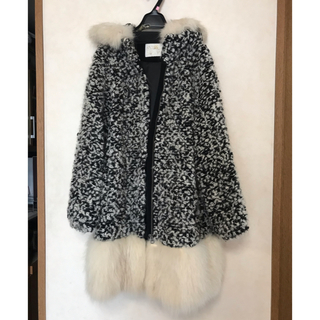 グレースコンチネンタル(GRACE CONTINENTAL)のグレースコンチネンタルのコート(毛皮/ファーコート)