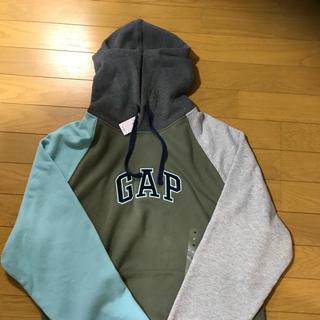 ギャップ(GAP)のGAPフード付きパーカー Mサイズ メンズ(パーカー)
